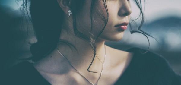 失恋から立ち直る方法10個!引きずる期間が長い人の特徴とは